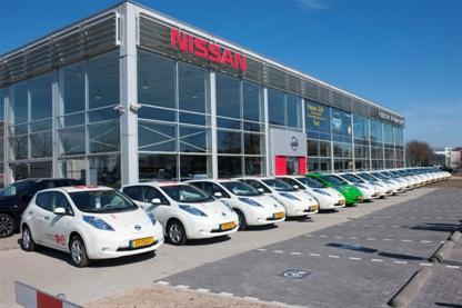 Aflevering eerste Nissans LEAF in Nederland (2011)